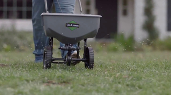 Lowe's Refresh Your Outdoors Event TV Spot, 'The Moment: Scotts EZ Seed' - Thumbnail 7