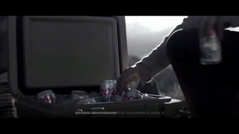 Coors Light TV Spot, 'Cold Blooded' [Spanish] - Thumbnail 7