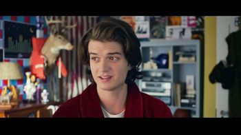 Domino's Pizza Tracker TV Spot, 'Life Moves Fast' Featuring Joe Keery - Thumbnail 1