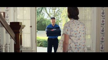 Domino's Pizza Tracker TV Spot, 'Life Moves Fast' Featuring Joe Keery - Thumbnail 7