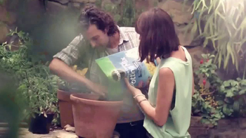 Miracle-Gro TV Spot, 'So Rich, It Should File a Tax Return' - Thumbnail 3