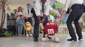 M&M's TV Spot, 'Mall Easter Bunny' - Thumbnail 7