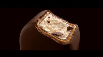 Magnum Double Caramel TV Spot, 'Atrévete a ser doble' [Spanish] - Thumbnail 10