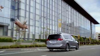 Chrysler Pacifica Hybrid TV Spot, 'When Pigs Fly' [T1] - 3 commercial airings