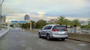 Chrysler Pacifica Hybrid TV Spot, 'When Pigs Fly' [T1] - Thumbnail 5