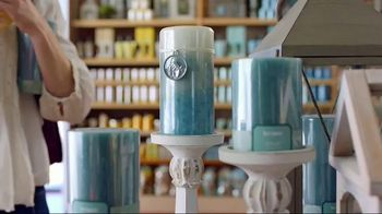 Pier 1 Imports TV Spot, 'Color Your Home Happy' - Thumbnail 2