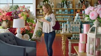 Pier 1 Imports TV Spot, 'Color Your Home Happy' - Thumbnail 4