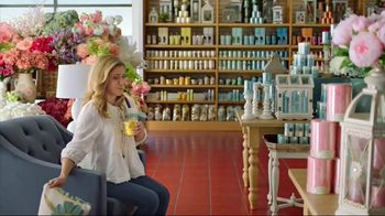 Pier 1 Imports TV Spot, 'Color Your Home Happy' - Thumbnail 5