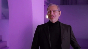 Apartments.com TV Spot, 'Staircase to Your Place' Featuring Jeff Goldblum - Thumbnail 6