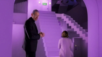 Apartments.com TV Spot, 'Staircase to Your Place' Featuring Jeff Goldblum - Thumbnail 7