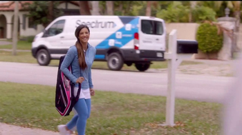Spectrum Mi Plan Latino TV Spot, 'Los vecinos' con Gaby Espino [Spanish] - 98 commercial airings