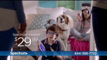 Spectrum Mi Plan Latino TV Spot, 'Los vecinos' con Gaby Espino [Spanish] - Thumbnail 5