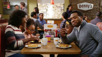 Denny's Pumpkin Pecan Pie Pancakes TV Spot, 'Autumn Alliteration' - Thumbnail 5