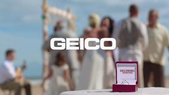 GEICO TV Spot, 'Helzberg Diamonds: Beach Wedding' - Thumbnail 9