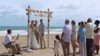 GEICO TV Spot, 'Helzberg Diamonds: Beach Wedding' - Thumbnail 2