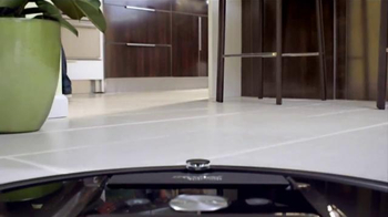 iRobot Roomba 980 TV Spot, 'Here to Help' - Thumbnail 7
