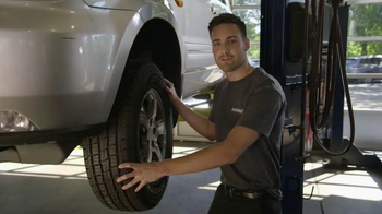 Meineke Car Care Centers TV Spot, 'Veterans Day: Thank You Oil Changes' - Thumbnail 2