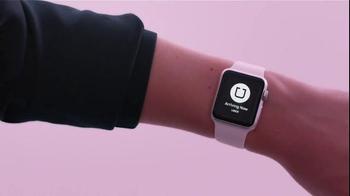 Apple Watch TV Spot, 'Kiss' - Thumbnail 4