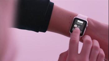 Apple Watch TV Spot, 'Kiss' - Thumbnail 6