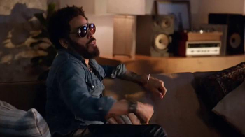 Guitar Hero Live TV Spot, 'Rock and Roll' Feat. Lenny Kravitz, James Franco - Thumbnail 5