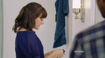 Crest 3D White Whitestrips TV Spot, 'Whiten for the Holidays' - Thumbnail 2