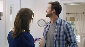 Crest 3D White Whitestrips TV Spot, 'Whiten for the Holidays' - Thumbnail 4