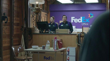 FedEx Ground TV Spot, 'North Pole' - Thumbnail 7