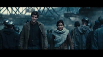 Chrysler TV Spot, 'The Hunger Games: Mockingjay Part - 2: Revolution' - Thumbnail 4