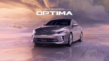 2016 Kia Optima TV Spot, 'Newspaper' Featuring Blake Griffin - Thumbnail 10
