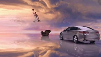 2016 Kia Optima TV Spot, 'Newspaper' Featuring Blake Griffin - Thumbnail 9
