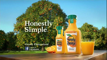Simply Orange TV Spot, 'Plant Tour' Featuring Donald Sutherland - Thumbnail 8