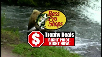 Bass Pro Shops Trophy Deals TV Spot, 'Halloween and The Peanuts Movie' - Thumbnail 4