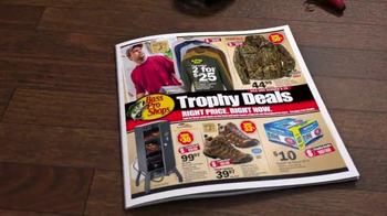 Bass Pro Shops Trophy Deals TV Spot, 'Halloween and The Peanuts Movie' - Thumbnail 5