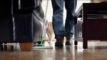 Swiffer Sweeper and Dusters TV Spot, 'Cleaning Dog Hair' - Thumbnail 9