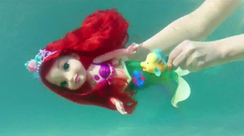 Disney Princess Colors of the Sea Ariel TV Spot, 'Necklace' - Thumbnail 4