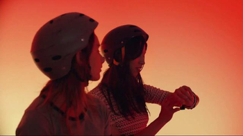 Apple Watch TV Spot, 'Skate' Song by Tame Impala  - Thumbnail 4