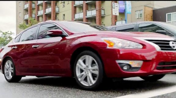 2015 Nissan Altima TV Spot, 'Drive to the Game' Song by Bruno Mars - Thumbnail 2