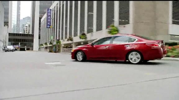 2015 Nissan Altima TV Spot, 'Drive to the Game' Song by Bruno Mars - Thumbnail 3