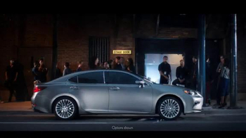 Lexus ES & ESH TV Spot, 'I Could Get Used To This' - Thumbnail 1