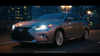 Lexus ES & ESH TV Spot, 'I Could Get Used To This' - Thumbnail 3
