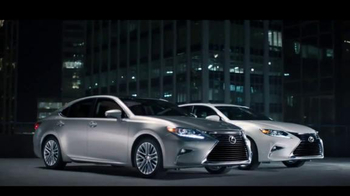 Lexus ES & ESH TV Spot, 'I Could Get Used To This' - Thumbnail 5