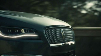 2017 Lincoln MKZ TV Spot, 'Shave' Featuring Matthew McConaughey - Thumbnail 4