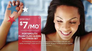 Ashley Furniture Homestore Memorial Day Mattress Sale TV Spot, 'Premium' - Thumbnail 3