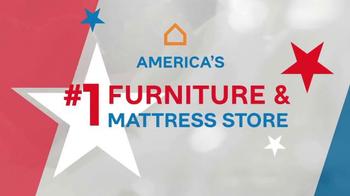 Ashley Furniture Homestore Memorial Day Mattress Sale TV Spot, 'Premium' - Thumbnail 6