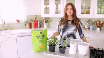 Miracle-Gro Nature's Care TV Spot, 'In-Home Herb Garden' Ft. Claire Thomas - Thumbnail 2