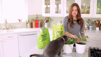 Miracle-Gro Nature's Care TV Spot, 'In-Home Herb Garden' Ft. Claire Thomas - Thumbnail 8