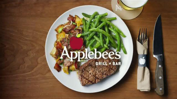 Applebee's Wood Fired Grill TV Spot, 'Prueba' canción de AC/DC [Spanish] - Thumbnail 9