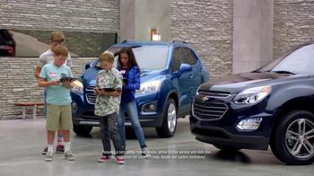 Chevrolet Memorial Day Sales Event TV Spot, 'Crossover Deals' - Thumbnail 5