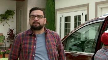 2017 Chrysler Pacifica TV Spot, 'El Tío' [Spanish] - Thumbnail 2
