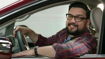 2017 Chrysler Pacifica TV Spot, 'El Tío' [Spanish] - Thumbnail 4